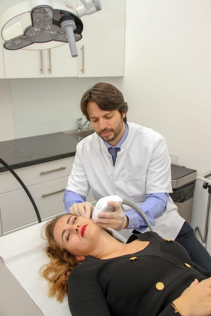 épilation laser chirurgien esthétique à Nice