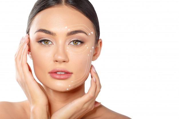 Relâchement cutané : comment rééquilibrer les volumes du visage ?